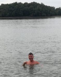 Fürdés a 19 fokos Dunában