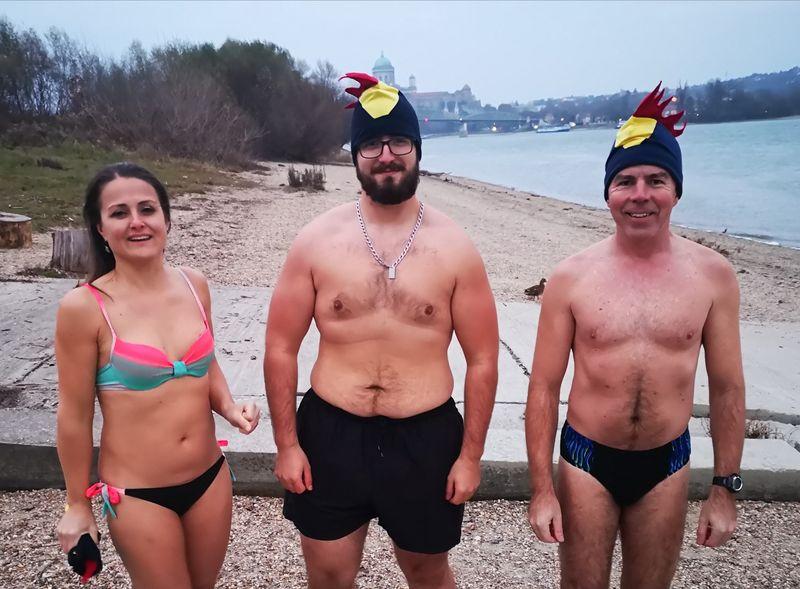 mufis sk csapattal a hideg vizes fürdésen