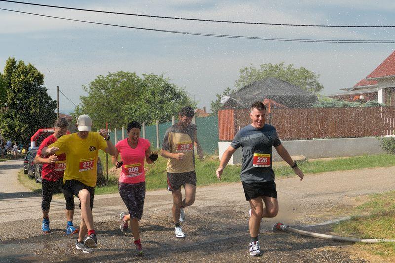 szlovák cégalapítás Párkány hideg vizes zuhany a futóversenyen